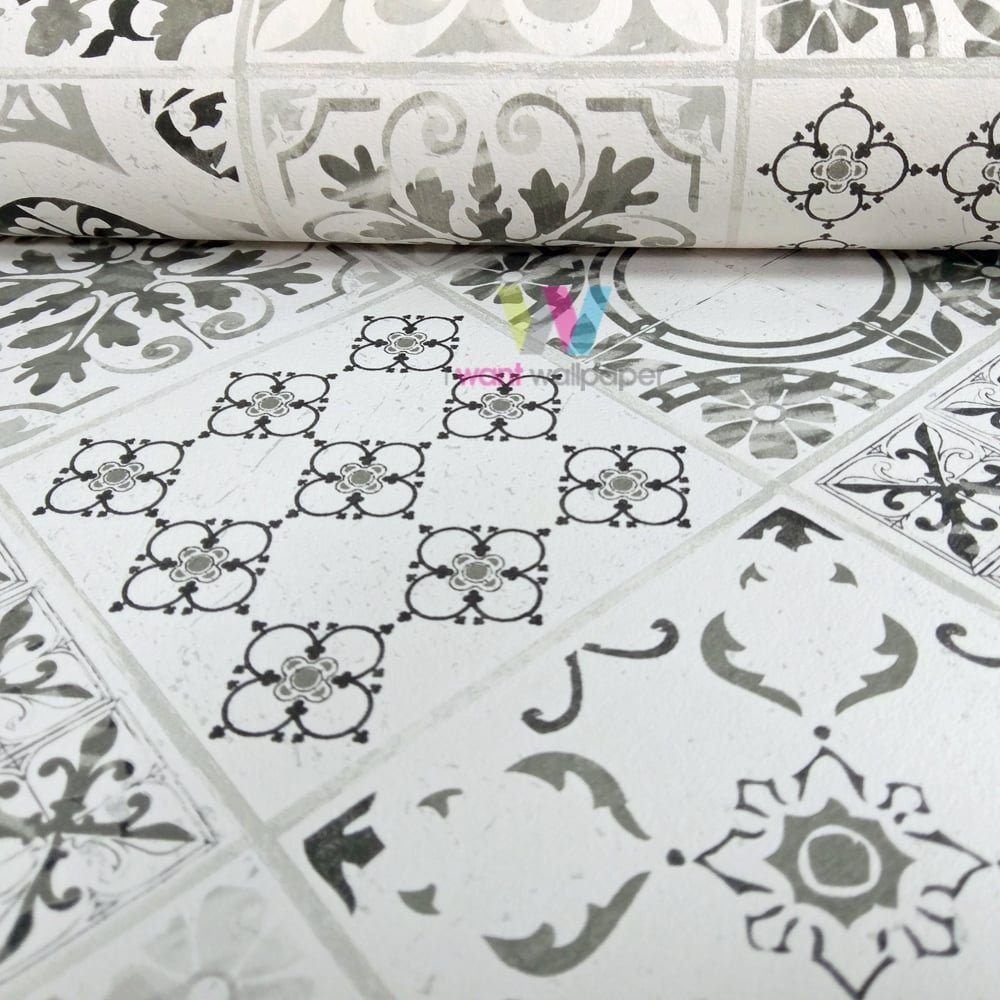 Grandeco porto floral pattern wallpaper baroque motif for Black and white bathroom paper
